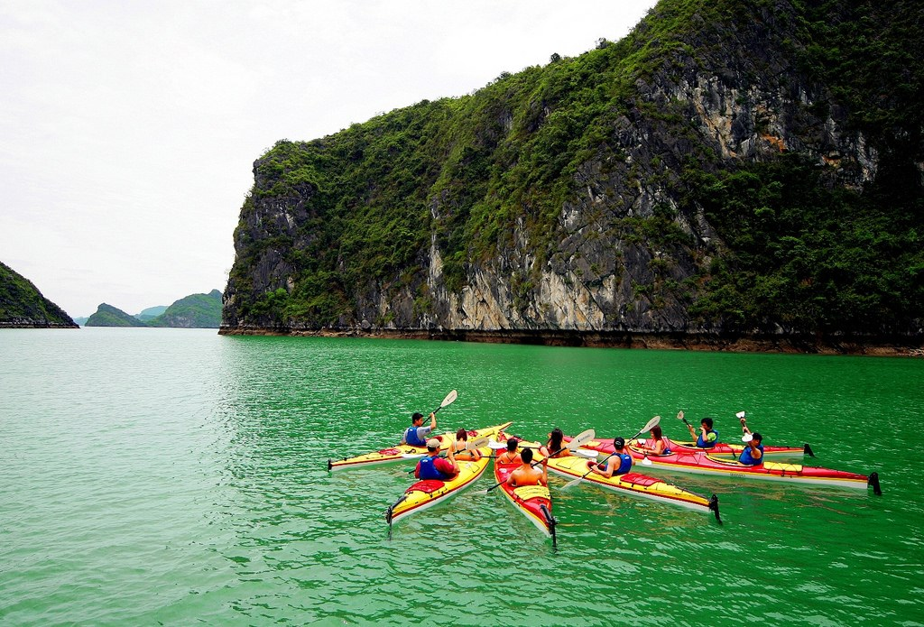 cheo-thuyen-kayak-vinh-ha-long