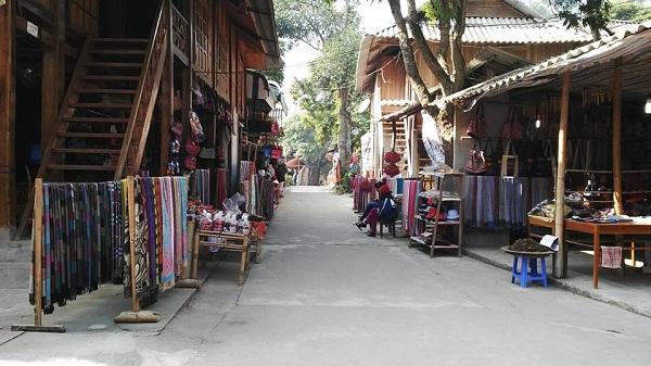 dao-choi-ban-lac