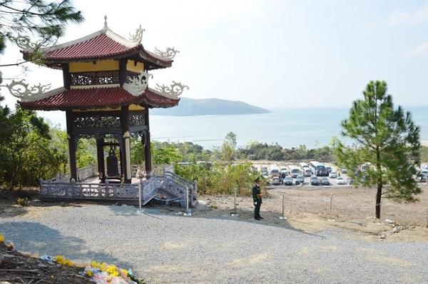 vung-chua-dao-yen